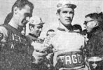 podium Dominigo Perurena course Bordeaux-Saintes 1966 (photo Sud-Ouest)